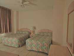 Americana Princess condos 2 queen bedroom Ocean City Condos (2)