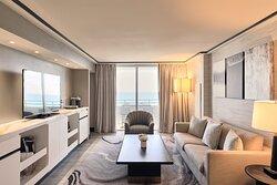 Suite Vice Presidential Ocean Front Livingroom