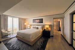 Suite Vice Presidential Ocean Front Bedroom