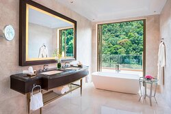 Penthouse Suite - Bathroom