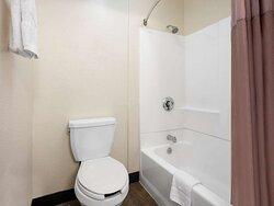Motel San Diego CA Downtown Bathroom