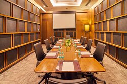 Our Meeting Rooms offers the best of technological facilities