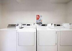 Motel Temecula Rancho CA Laundry