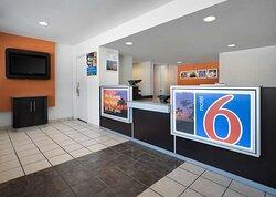 Motel Temecula Rancho CA Lobby