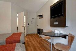 Motel Gilroy CA Beds