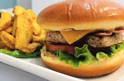 STEAK BURGER WITH COUNTRY