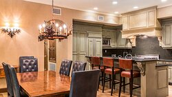 3 Bedroom Presidential Suite - Kitchen and Dining Area