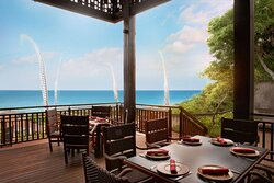 Outdoor Dining with Indian Ocean view