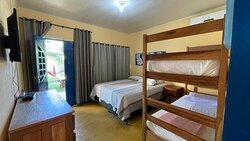 quarto grande e bem limpo.