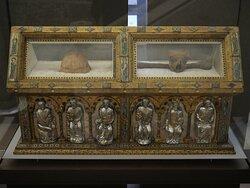 Reliques du du fondateur de l'abbaye de Clairvaux au sein du Trésor !