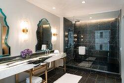 Presidential Suite - Flamenco Bathroom
