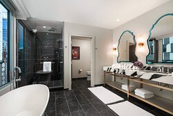 Presidential Suite - Tango Master Bathroom
