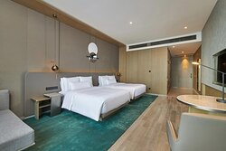 Double/Double Club Guest Room