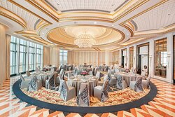 The St. Regis Roof Round Table Setup