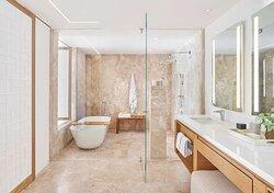 Junior Suite Ocean View Bath