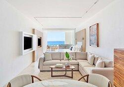 Junior Suite Ocean View Living