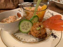 Lachstatar, Räucherlachs-Salätle, Ora King Gin Tonic mariniert, Orangen-Fenchel-Salat