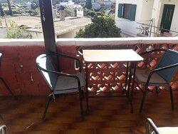 Μπαλκόνι με θέα για φαγητό
