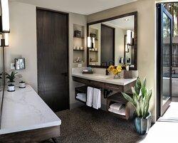 Spring Bungalow Bathroom