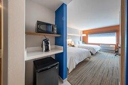 Double Queen Standard Guestroom