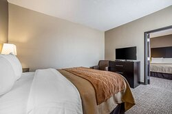 Suite with amenities