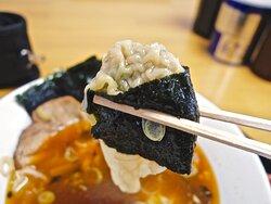 高菜辛味中華+ワンタン+海苔 食券方式となったため、ついトッピング率が上がる