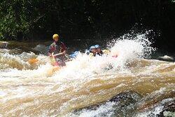 Corredeira Bate e Volta, trecho da expedição de Rio de 4 horas. Rio Paraibuna, São Luiz do Paraitinga.