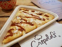 Notre crêpe au caramel beurre salé et ses amandes grillées ❤️