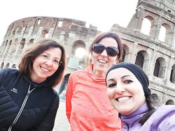 Running tour in Colosseum square