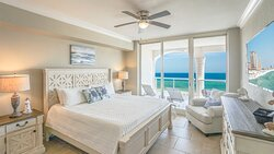 Beach Club - 3BD / 3BR Condo - Master Suite