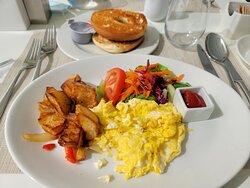 Breakfast at Azul