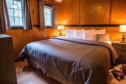 Tekarra Lodge Pet Friendly King Bed
