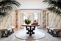 Presidential Suite - Foyer