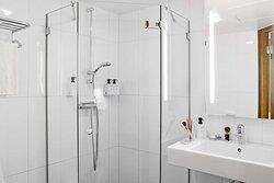 room superiorextra bathroom