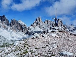 La cima del Col dei Bos con i Fanis