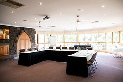 The Ridge Room, our meeting and events space has an abundance of natural light. Enquire about our day delegate catering options.