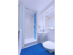 new hotel bathroom shower x