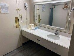 Motel Rochester bathroom