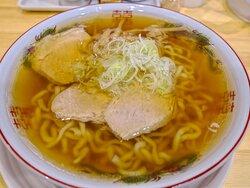 醤油ラーメン  太めの番手のもっちり会津の麺 煮干しがふんわり香る王道会津のスープ チャーシューが煮豚感が強いホロホロ美味いもの