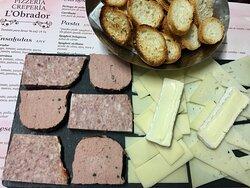 Tabla Mixta ( patés y quesos )