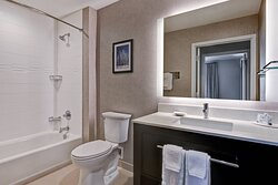 Two-Bedroom Suite - Shower/Tub