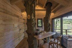"""Interior de nuestra cabaña """"Pla del Grèvol""""."""