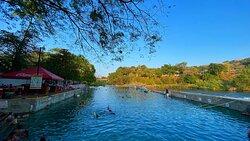 Exceptionnel bains chauds naturels