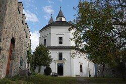 修道院付属の聖母教会 Liebfrauenkirche。集中式プラン Round Church の教会堂。
