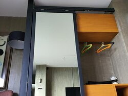 Mirror sliding cabinet is not working Plus fancy points at those plastic adidas dupe hangers