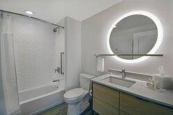 Suite Bathroom - Shower/Tub