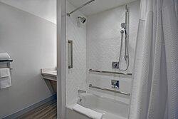 Accessible Bathroom - Shower/Tub