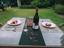 a nice dinner date set up