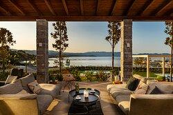 Lounge & Relax Bar