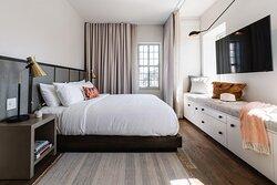 Harper Suite - Bedroom